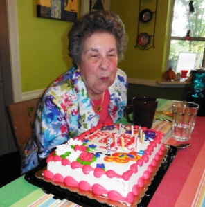 aunt eloise 88 birthday.july27.14.9