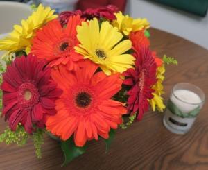 gerbera daisy arrangementapr.163