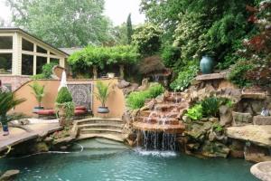 coulson garden.may1607