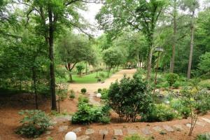 trim garden may1607