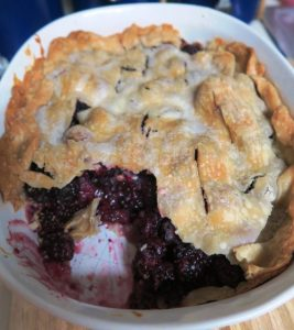 blackberry cobbler july (1)
