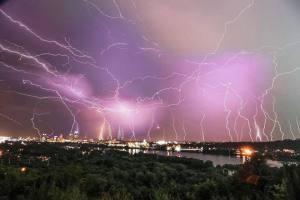 lightning over LR July15.16