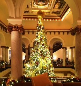 capial-hotel-christmas-tree-16