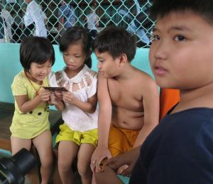 children-tau-chau3