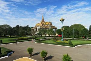 palace-cambodia2208