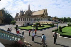 palace-in-cambodia-07