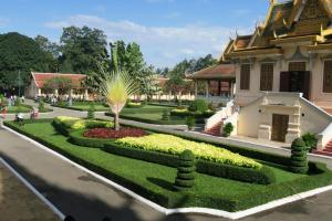 palace-in-cambodia05