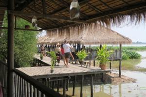 rest-stop-cambodia5